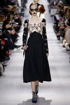 Christian Dior | Ready-to-Wear - Autumn 2016 | Look 10