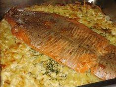 Lohta perunapedillä: Tasty, Yummy Food, Recipe For Mom, Cookbook Recipes, Sweet And Salty, Fish Recipes, Nom Nom, Salmon, Easy Meals