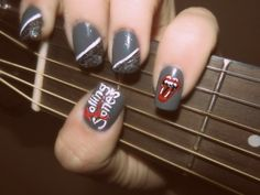 Ohh, this makes me want to get super cutesy-creative on my nails!