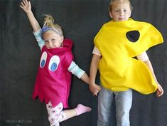 Pac-Man is a treasured classic among arcade games. Keep the Pac-Man legacy alive this Halloween with these precious DIY Pac-Man and Ghost-Inspired Kids' Costumes! All you need is felt and hot glue for this no-sew DIY Halloween costume for kids. Ghost Costume Diy, Ghost Costumes, Family Costumes, Diy Costumes, Costume Ideas, Easy Homemade Halloween Costumes, Halloween Diy, Ghostbusters Costume, Costume Tutorial
