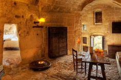 洞窟ホテル「ヴィレッジ・ケーブ・ホテル」/トルコ 2人部屋で1泊8000円から
