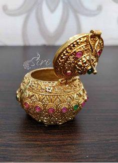 Gold Plated Kumkum Bharina in ruby alike stones. Jewelry Design Earrings, Gold Jewellery Design, Necklace Designs, Gold Jewelry, Jewelry Stand, Diamond Jewellery, Wooden Jewelry, Jewelry Holder, Simple Jewelry