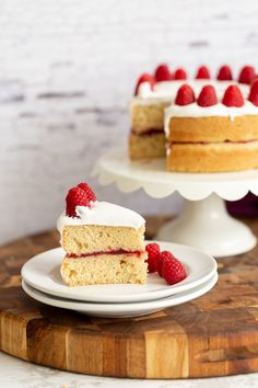 Vegan White Cake (everyday ingredients Eggless vanilla cake) Vegan Vanilla Cake, Vegan Cake, Sweet Recipes, Cake Recipes, Dessert Recipes, Vegan Sweets, Vegan Desserts, Healthy Sweets, Baking Cupcakes