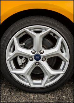 ford focus 2006 tire size