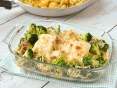 Kabeljauwschotel met broccoli in mosterdbechamel Fish Recipes, Low Carb Recipes, Healthy Recipes, Fish Dishes, Tasty Dishes, Broccoli Dishes, I Want Food, Good Food, Yummy Food