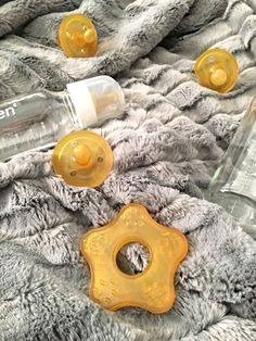 Natursutten natural rubber teether, glass bottles and pacifiers, non toxic baby products
