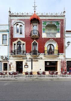 Café Águias d' Ouro, Estremoz, Portugal. 6 different window styles on the same building. Algarve, Art Nouveau, Portugal Travel, Spain And Portugal, Amazing Architecture, Architecture Details, Europe, Oh The Places You'll Go, Around The Worlds