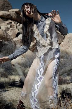 Lily Stewart by Yelena Yemchuk for Vogue China April 2016 Check more at http://fashnberry.com/twisted-romance-lily-stewart-for-vogue-china/