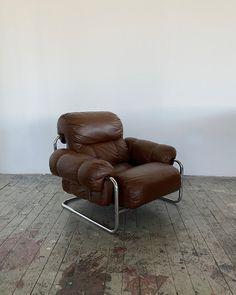 Unique Furniture, Furniture Design, Lounge Chair Design, Interior Decorating, Interior Design, Aesthetic Room Decor, Home Living, Minimalist Home, Decoration