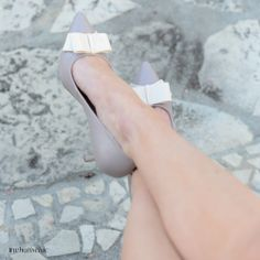 This item is shipped in 48 hours, including the weekends. A low heel pump with a cute bow,perforations features moisture management to keep feet comfortable all day long. Material: Man made leather. Pretty Shoes, Beautiful Shoes, Cute Shoes, Me Too Shoes, Giuseppe Zanotti, Stilettos, Jimmy Choo, Louboutin, Kinds Of Shoes