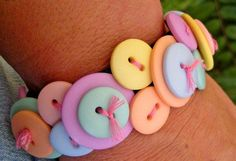 DIY Button Craft: DIY Button Bracelet