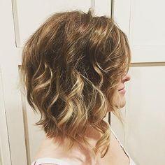 messy+wavy+lob+hairstyle