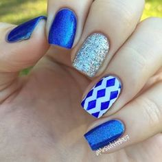 Instagram foto de whatsupnails - Beautiful uñas idea de diseño por @ mrswhite8907 usando cinta zig zag de whatsupnails.com (enlace en bio).  No te pierdas su @ mrswhite8907 increíble sorteo donde puede ganar nuestros productos!