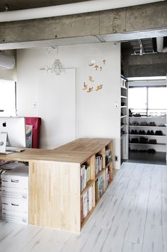 would be a cool desk for my own room Loft House, House Rooms, Cabin Design, House Design, Home Office, Desk Office, Kitchens And Bedrooms, Interior Decorating, Interior Design