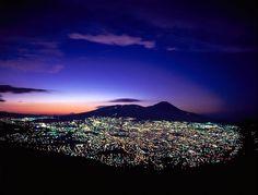 San Salvador.  Fotografia Ernesto Canossa