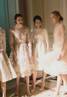 Kremi, Antonina and Katya at Valentino Haute Couture S/S 2013 Backstage. Party Fashion, Runway Fashion, Spring Fashion, High Fashion, Fashion Show, Fashion Design, Formal Fashion, Oscar Dresses, Special Occasion Dresses
