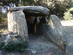 Petites histoires des Pyrénées-Orientales: De nombreux sites mégalithiques