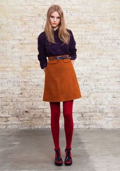 Chemise officier violette, jupe trapèze ocre et taille haute This is one of the outfits I'm going to actively look for. 70s Fashion, Look Fashion, Vintage Fashion, Fashion Outfits, Womens Fashion, Vintage Style, Estilo Preppy Chic, Mode Style, Style Me