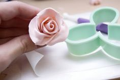 Every Flavour Sweets: Gum Paste Rose Tutorial