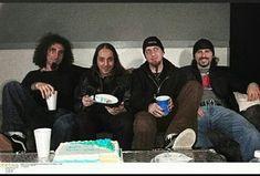 Serj Tankian, Daron Malakian, Shavo Odadjian y John Dolmayan! 🍰