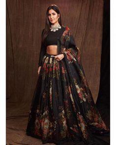 Fashion Faceoff: Katrina Kaif or Karisma Kapoor in Sabyasachi? | PINKVILLA