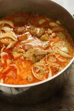 Big ol' pot of Vietnamese chicken curry