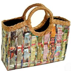 An adorable bag handwoven from #recycled newspaper: http://www.inspirationgreen.com/re-purpose-pocketbooks.html