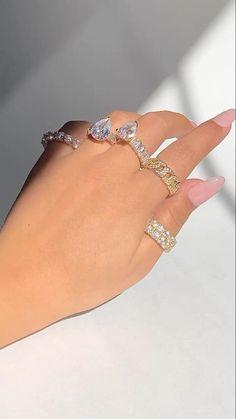Gold Jewelry, Jewelery, Fine Jewelry, Morrocan Dress, Most Beautiful Wedding Dresses, Ring Video, Chanel Necklace, Butterfly Jewelry, Ankle Bracelets