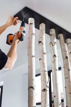 Furnishing ideas made of birch trunks & BAUHAUS Switzerland The post Furnishing ideas made of birch trunks Diy Home Crafts, Diy Home Decor, Architecture Bauhaus, Sliding Cupboard, Mediterranean Decor, Diy Chandelier, Wood Projects, Diy Furniture, Interior Decorating