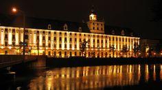 University of Wroclaw - http://www.fullhdwpp.com/architecture/university-of-wroclaw/