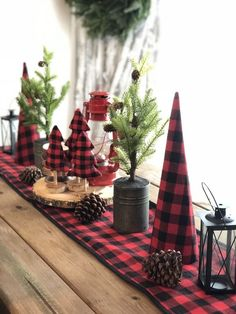 100 Creative Christmas Decor for Small Apartment Ideas Which Are Merry & Bright - Hike n Dip - - Even if you have a small Apartment, you can decorate it for Christmas. Here are Christmas Decor for Small Apartment ideas, that are cheap & budget friendly. Cabin Christmas, Cheap Christmas, Plaid Christmas, Rustic Christmas, Buffalo Check Christmas Decor, White Christmas, Christmas Trees, Christmas Table Settings, Christmas Tablescapes