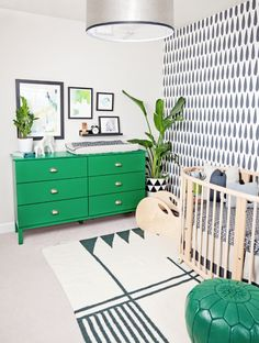 Bookmark this for 8 colorful ways to incorporate Pantone's greenery into your baby's nursery.