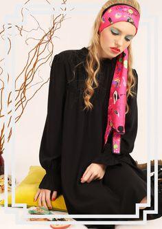 Small Wolf silk scarf By Cléo Ferin Mercury Ways To Tie Scarves, Silk Scarves, Scarf Knots, Flower Prints, Mercury, Alexander Mcqueen Scarf, Wolf, How To Draw Hands, Cute