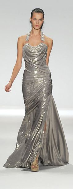 Evening gown, couture, evening dresses, formal and elegant Mercedes Benz New York Fashion Week - Edition by Georges Chakra Spring Couture Fashion, Runway Fashion, High Fashion, Fashion Show, Fashion Design, Glamour, Vogue, Dress Vestidos, Maine