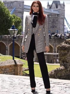 Zendaya Coleman Suits Up For The 'Spider-Man: Far From Home' London Photocall - Red Carpet Fashion Awards - 2020 Fashions Woman's and Man's Trends 2020 Jewelry trends Zendaya Coleman, Zendaya Outfits, Zendaya Style, Zendaya Fashion, Zendaya Swag, Zendaya Clothes, Clothes Swag, Swag Outfits For Girls, Girl Outfits