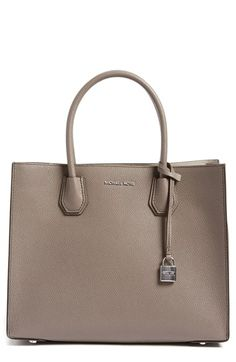 Free shipping and returns on MICHAEL Michael Kors 'Large Mercer' Tote at Nordstrom.com. An optional, adjustable strap adds crossbody versatility to a structured tote shaped from lavishly pebbled leather and accented with gleaming Michael Kors hardware.