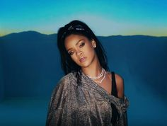 Amidst all of that Taylor Swift breakup drama, Calvin Harris and Rihanna dropped the music video for This Is What You Came For , and it is one hot sultry clip. Rihanna You, Rihanna Makeup, Rihanna Outfits, Rihanna Photos, Rihanna Fenty, Big Songs, Hip Hop, Bad Girls Club, Bad Gal