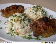 """"""" Bramborový """" salát bez brambor - cuketa, cibule, jablko, mrkev, celer, vejce na tvrdo, kyselé okurky, šunka, majonéza, sůl, pepř"""