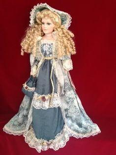 "Jam Lee Collectable Handcraft Porcelain Doll 22"", green dress blonde, pre-owned"