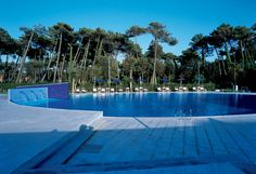 #HotelTirrenia is a 4 star hotel in #Pisa. It has an outdoor pool with hydromassage, the tennis courts and flower gardens.