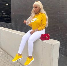 baddie outfits with white jeans Cute Swag Outfits, Chill Outfits, Dope Outfits, Trendy Outfits, Teenager Outfits, Black Girl Fashion, Look Fashion, Cheap Fashion, Affordable Fashion