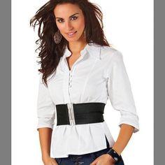 Leia aqui!: http://imaginariodamulher.com.br/look/?go=2mOvKec  Camisa Branca Feminina #achadinhos #modafeminina #modafashion #tendencia #modaonline #moda #instamoda #lookfashion #blogdemoda #imaginariodamulher
