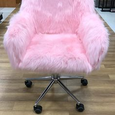 pink fur chair