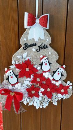 Handmade Christmas Crafts, Easy Christmas Ornaments, Felt Christmas Decorations, Holiday Crafts, Christmas Wreaths, Christmas Stockings, Wall Christmas Tree, Rustic Christmas, Simple Christmas