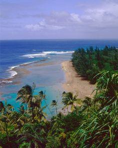 View of Kee-e Beach, Kauai, Hawaii.
