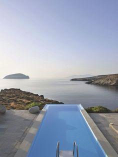 Visite déco d'une maison d'architecte en Grèce