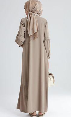 sosyalpengu the . Abaya Fashion, Modest Fashion, Fashion Dresses, Abaya Designs, Kurti Designs Party Wear, Muslim Dress, Hijab Dress, Moslem Fashion, Modele Hijab