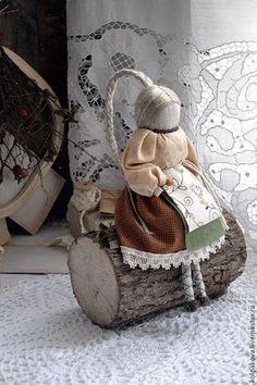 """Купить куколка Толстушка-Костромушка """"Маленькая красная ягодка"""". - бежевый, Толстушка-Костромушка, народная кукла"""