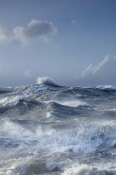 Ocean waves, by Milou Vision