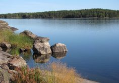 Typical_rocky_shores_of_Lake_Saimaa.jpg (2300×1606)